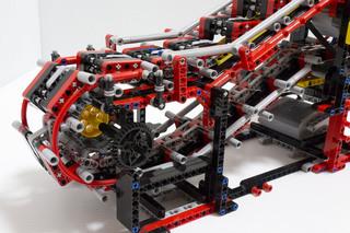 018_MotorizedEscalator2_02.jpg
