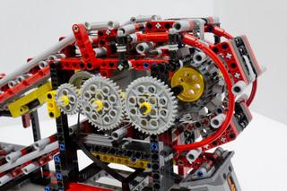 018_MotorizedEscalator2_04.jpg