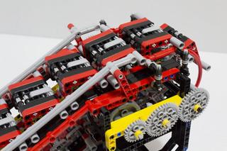 018_MotorizedEscalator2_07.jpg